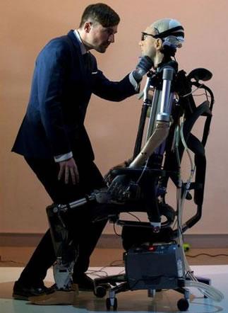 vers-homme-bionique-25-technologies-transhumanistes-par-thfr